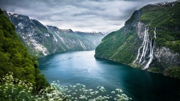 mountain-river-2