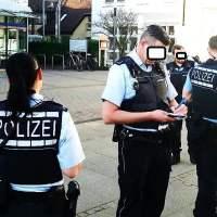 Stuttgart: Einzeldemo gegen Merkel endet mit Polizeieinsatz