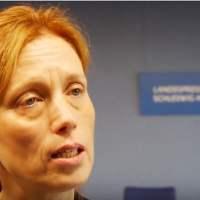Schleswig-Holsteins CDU-Bildungsministerin begeistert von Kopftuch-Mädchen im Sportunterricht