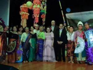 Hiyas Dancers and Sam Afra (ECCV) and Mayor Joe Corsari (Knox City)