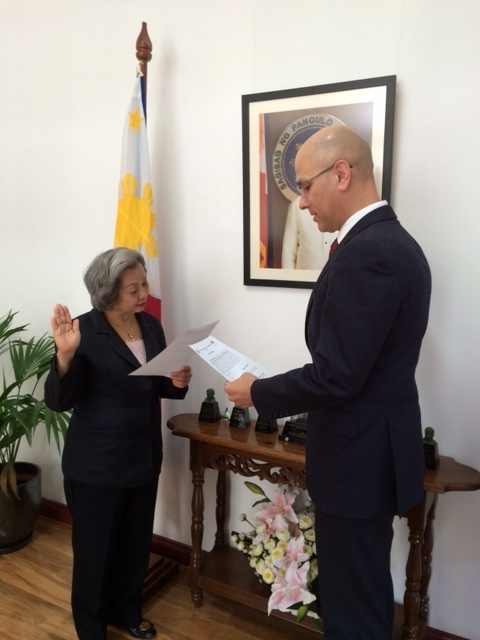 Felix Pintado sworns into office as the new Philippine Honorary Consul of Victoria by Philippine Ambassador to Australia Belen Anota