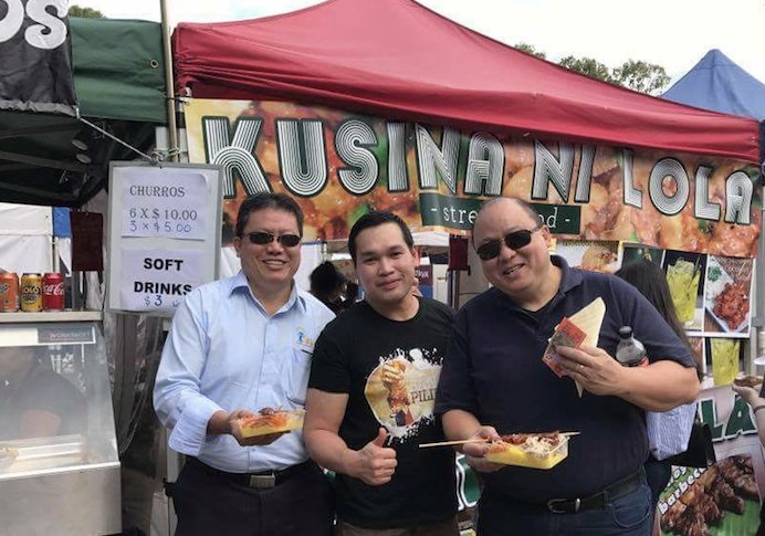 Albert Sy (left) and Alex Sy (right) with Dave Viovicente (centre) of Kusina ni Lola and RDV Entertainment.