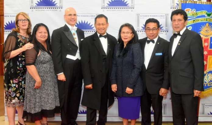 Consul Pintado (third from left) with his wife Di (far left) and other Filipino Freemasons and their spouses