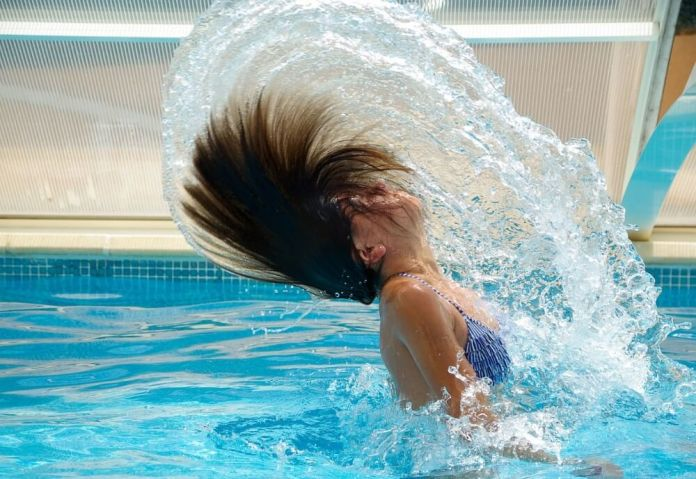 Keep clean before going on swimming pool