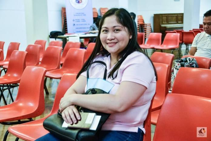 Mae Cabangcalan is a permanent resident in Melbourne and was one of those who availed of the Mobile Consular Mission to have her Philippine passport renewed.
