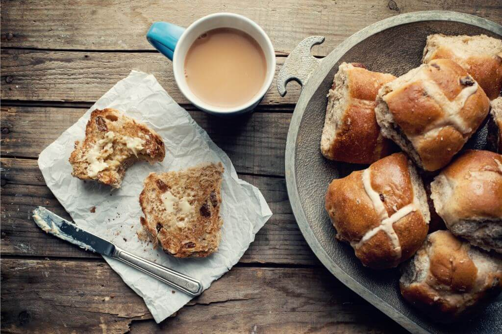 The average 80-gram hot cross bun contains 1,070 kilojoules. CC Jasmine Waheed | Unsplash