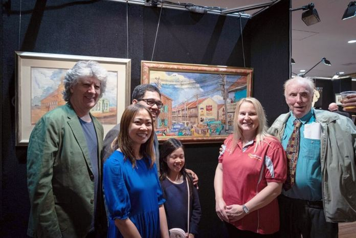 (L-R) Deputy Mayor Christopher Gordon, Filipino Consul Emmanuel D.K. Guzman, wife Gene, daughter Maya, Ms. Anita (principal sponsor Bendigo Bank), David Johnson (artist)