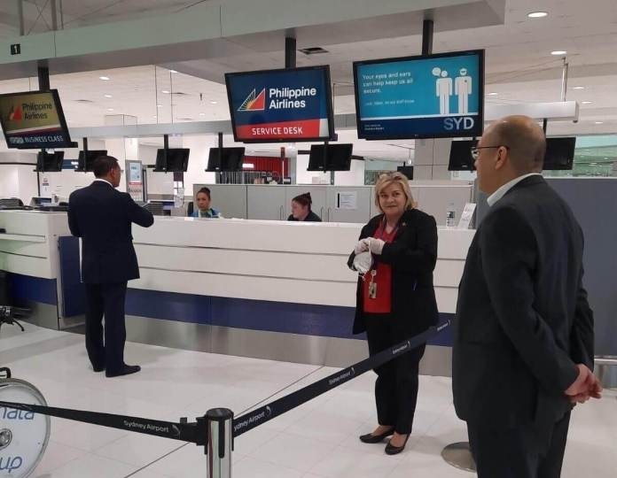 Philippine government representatives assist Filipino crew at Sydney Airport. | Photo credit: Philippine Consulate General Sydney