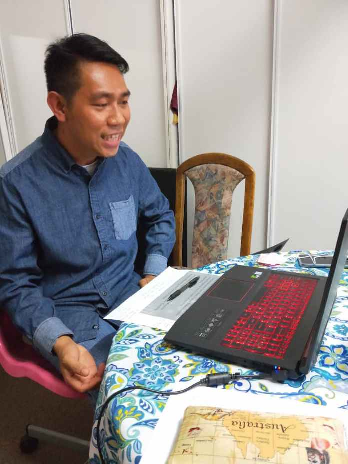 Wilmer Tiezo has been delivering language lessons online and can teach for all levels from beginning to advanced. PHOTO CREDIT: Filipino-Australian Foundation of Queensland Inc