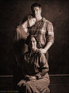 Isa St. Clair, Allen Radway, and E. Ashley Izard in THE GLASS MENAGERIE. Photo by Kyle Cassidy.