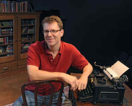 Hollinger & typewriter