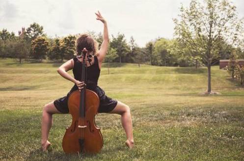 Catherine Fischer, dancer. Photo by Geoff Sheil.