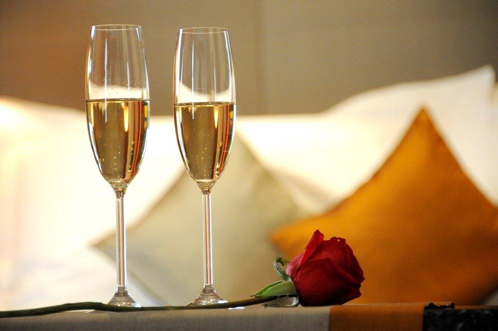 Fall Romance Wallpaper Romance Phineas Swann Bed And Breakfast Inn