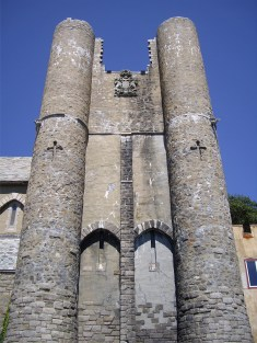 Hammond Castle Front towers