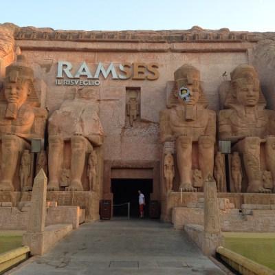 Ramses: Skyt på lys med en laserpistol! Pappa vant hver gang...... :(