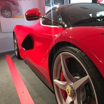 Julies hus og Ferrari