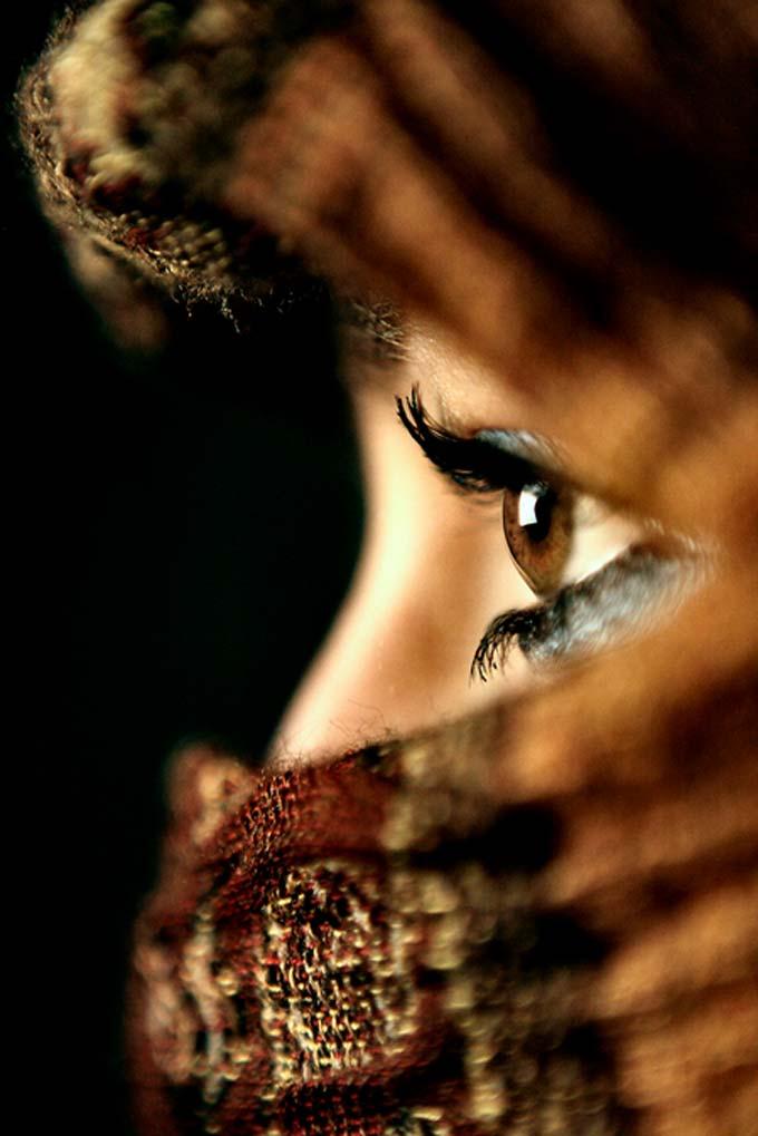 Brown eyed woman.. by Sabrina de Vries