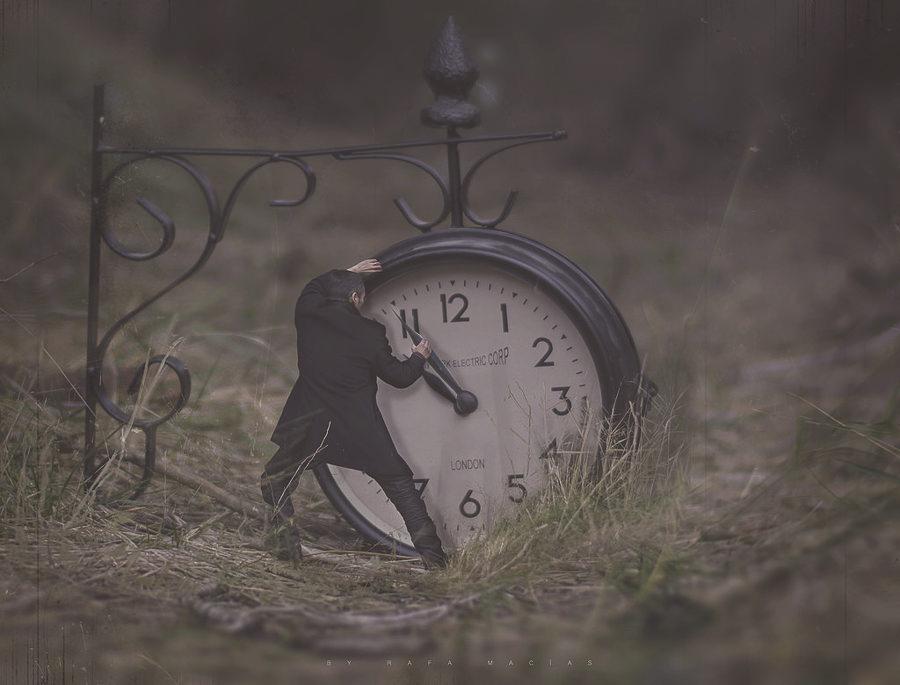WATCHMAKER'S TIME by Rafa Macias