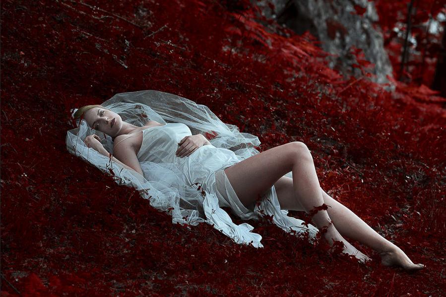 Autumn Queen by Roberto Casoni