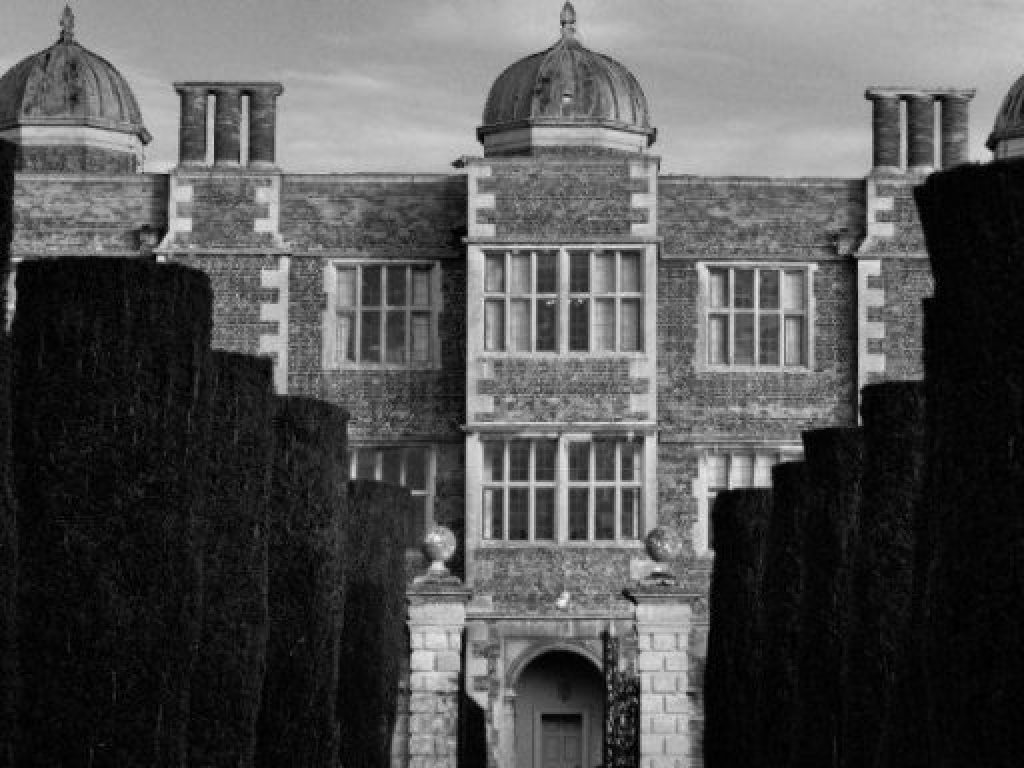 Doddington Hall with infra red effect by phlogger