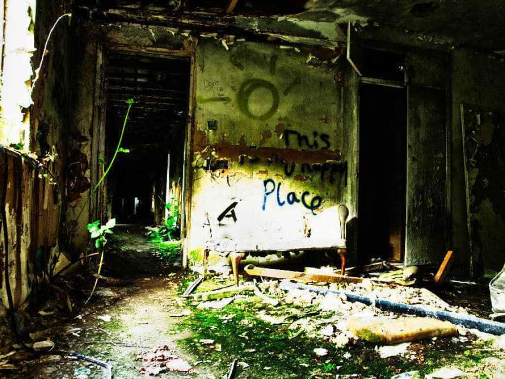 nocton hall graffiti