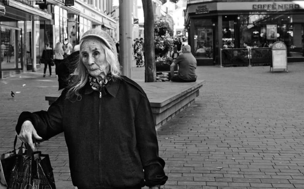 old lady in lincoln