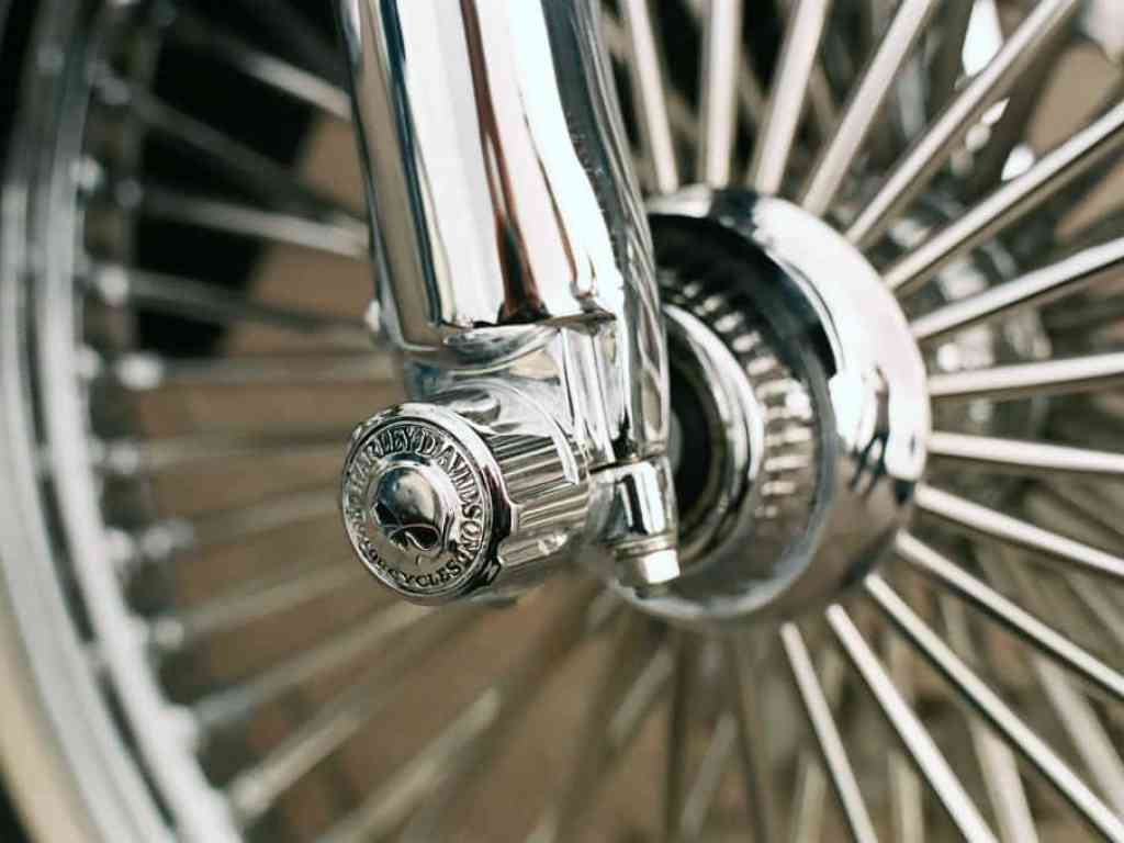 phlogger picture of harley davidson wheel