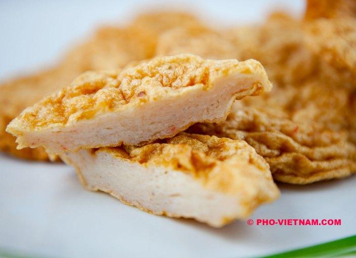 Fish cake Cha ca (photo: Kim Le Cao © Pho Vietnam)