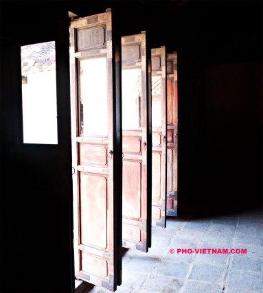 Keizerlijke deuren in Hue (foto: Pho Vietnam © Kim Le Cao)