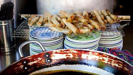 Gebakken loempia's van rijstpapier (foto: Pho Vietnam © Kim Le Cao)