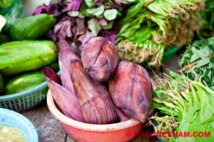 Bananenbloesem en overige groente (foto: Pho Vietnam © Kim Le Cao)