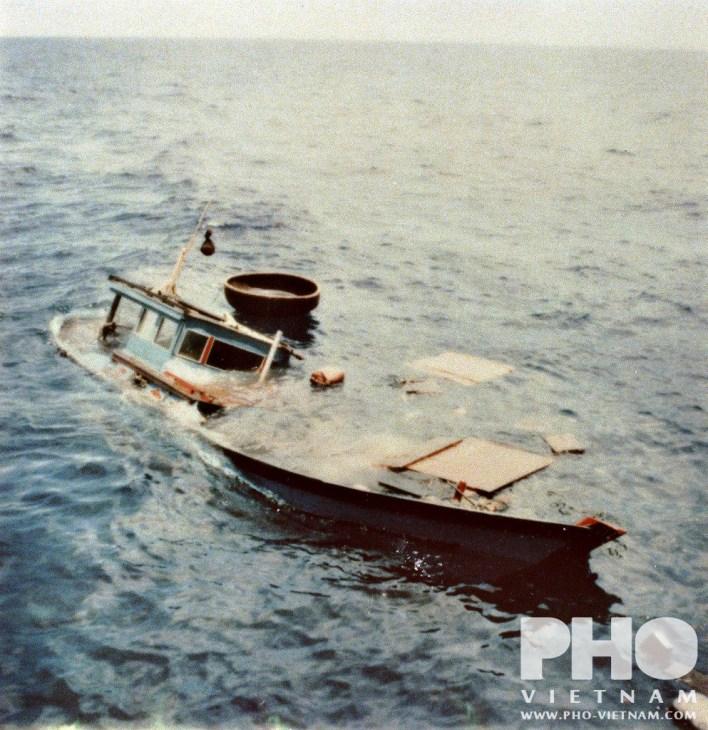 Pho-Vietnam_bootvlucht-2