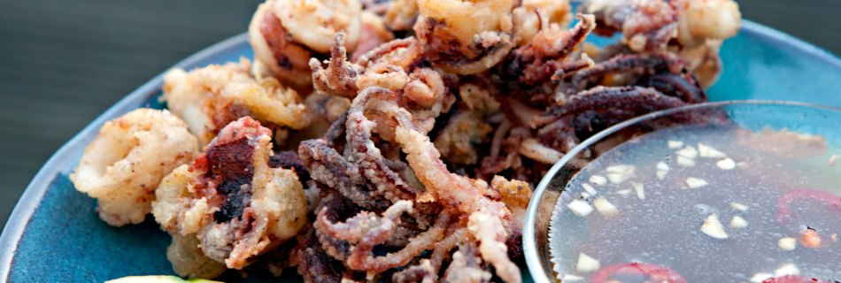 Gefrituurde inktvis met tamarindesaus (foto: Kim Le Cao © Pho Vietnam)