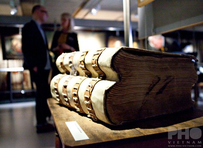 Grootboek van de opperboekhouder 1764-1768 (foto: Kim Le Cao © Pho Vietnam)