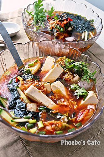 두부 김치 냉국 레시피, 두부로 두부 김치 냉국을 만들었습니다.  여름에 시원하게, 겨울이라도 출출 할 때 야식으로 아주 좋을 것 같습니다. http://phoebescafe.com/cold_tofu_soup_ko/