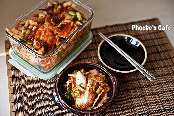 배추 막김치 담그기 포기 김치 보다 시간도 덜 걸리고 손도 덜 가서 자주 담그는 김치입니다. 국수랑 함께 하면 더욱 맛나지요. http://phoebescafe.com/배추-막김치/