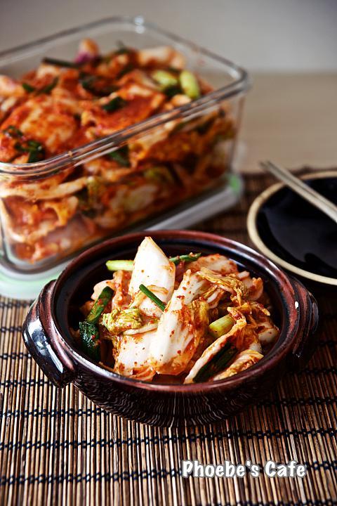 배추 막김치 만들기 포기 김치 보다 시간도 덜 걸리고 손도 덜 가서 자주 담그는 김치입니다. 국수랑 함께 하면 더욱 맛나지요. http://phoebescafe.com/배추-막김치/