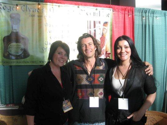 Roger Clyne, Taryn Jeffries, Sara Morales