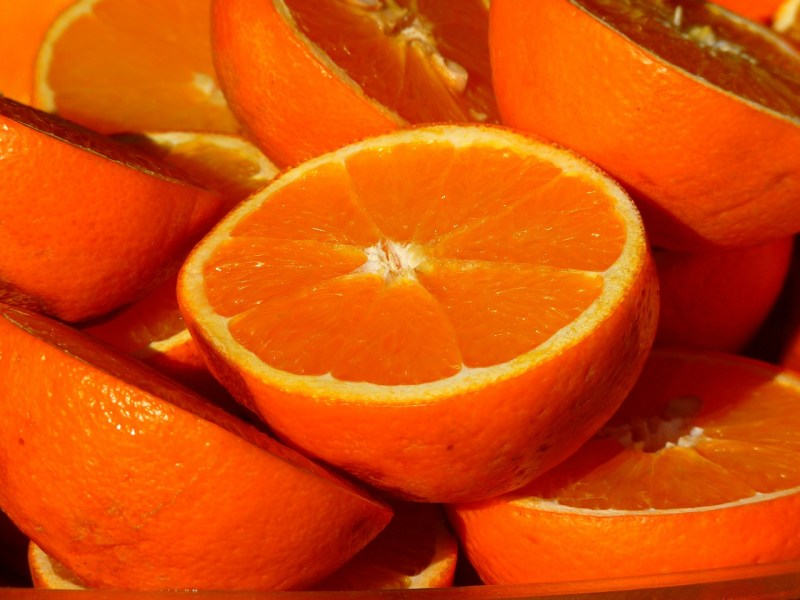 Oranges: Foods that help to ease anxiety