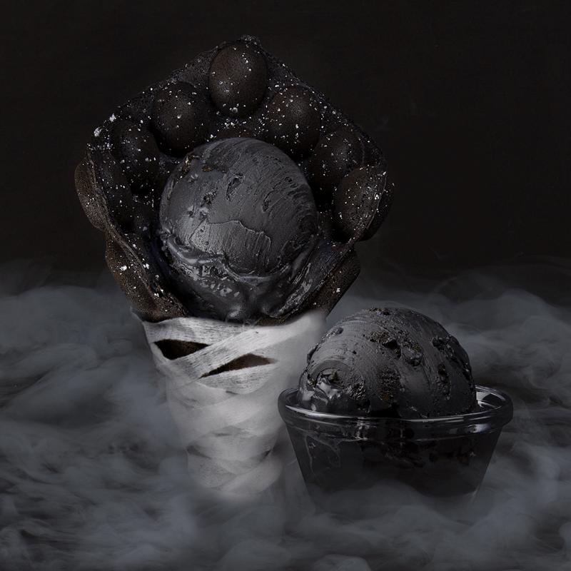 102518 Creamistry Midnight Black Bubble Waffles