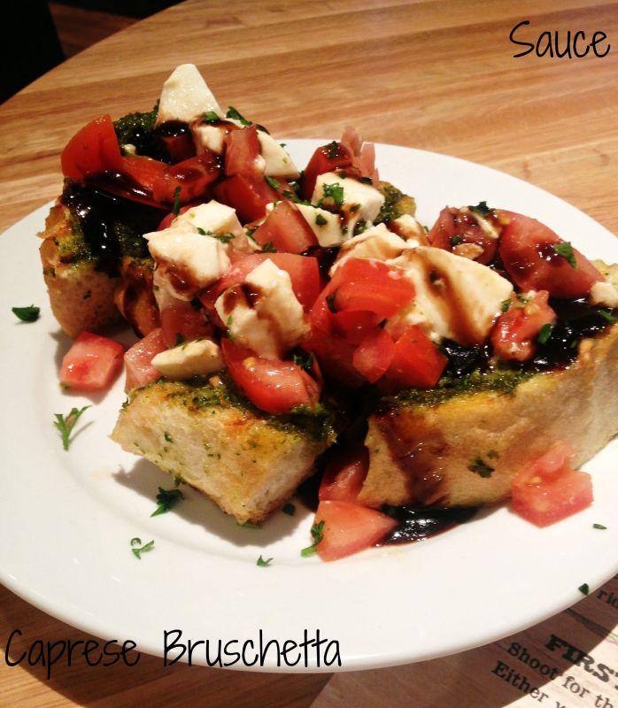 Sauce-Caprese-Bruschetta
