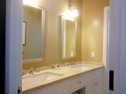 Large bathroom with double sinks