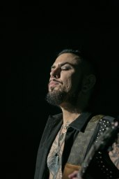Dave Navarro of Jane's Addiction performs live in concert at the Arizona State Fair.