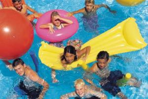 Looking for cheap summer fun in Phoenix ideas for kids? Check out this list of 30 ways to keep kids entertained on a budget this summer.
