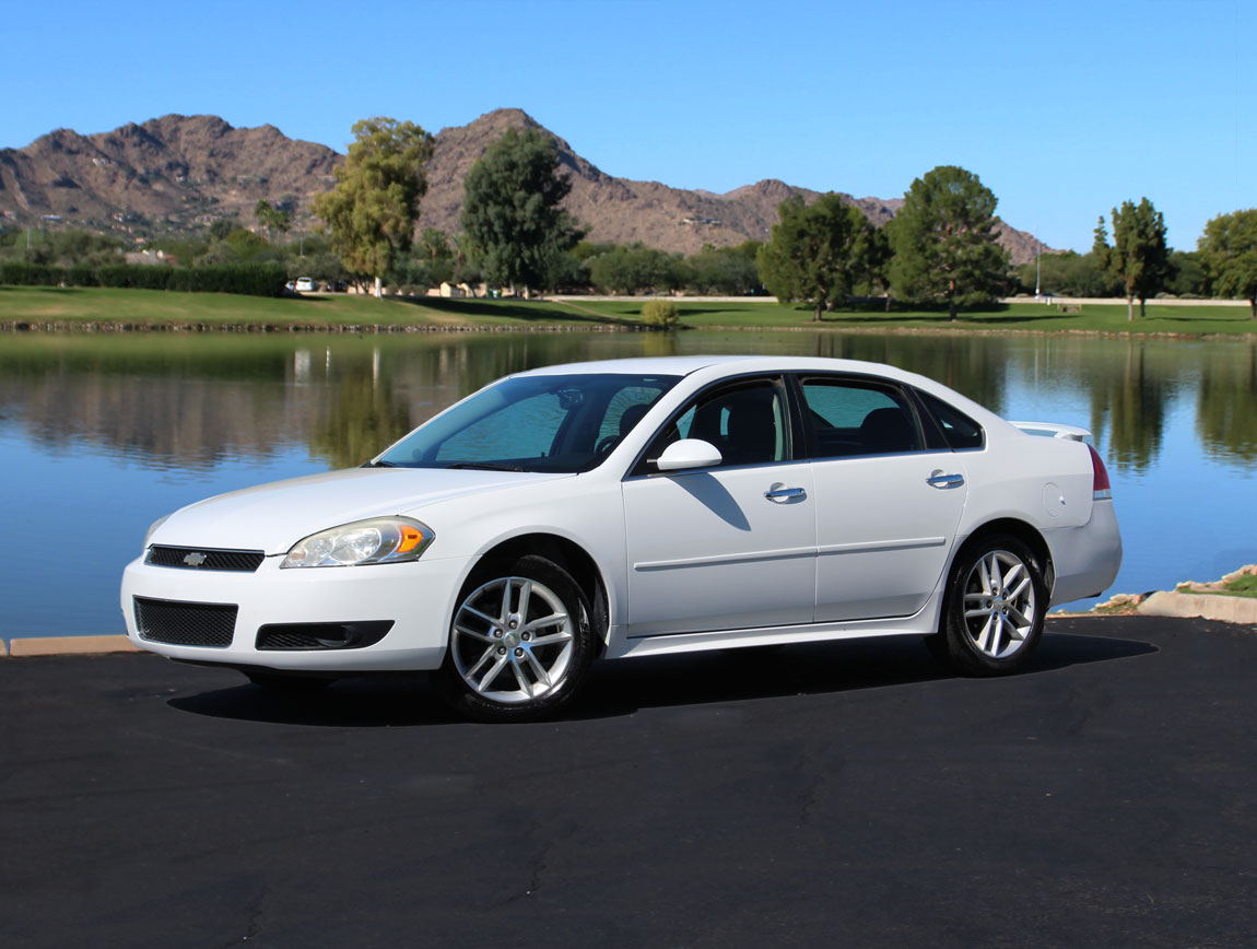 Phoenix car rental rents ford chrysler and gm cars in phoenix arizona