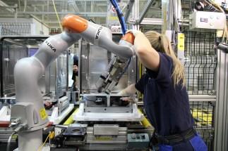 kukaflexfellow_human_robot_collaboration
