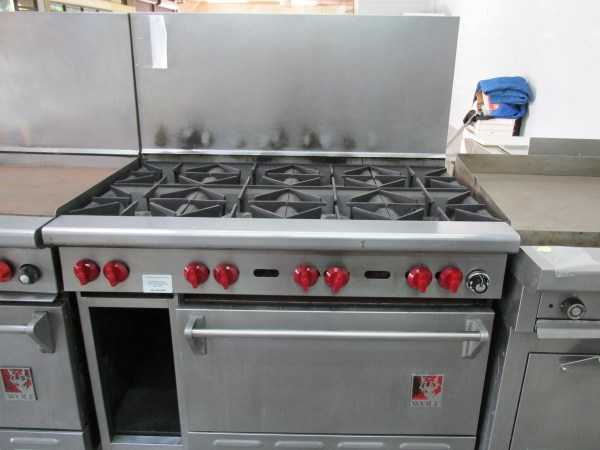 8 Burner Gas Range with Oven