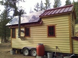 tiny-house-solar-panels-design-and-installation-600x450