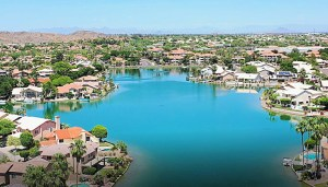 Phoenix waterfront homes in Lakewood