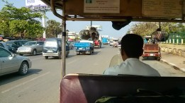 From the airport to town in the tuk-tuk